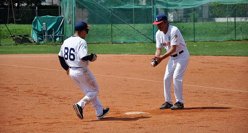 giocatori di baseball incontri modelli incontri casual vestire